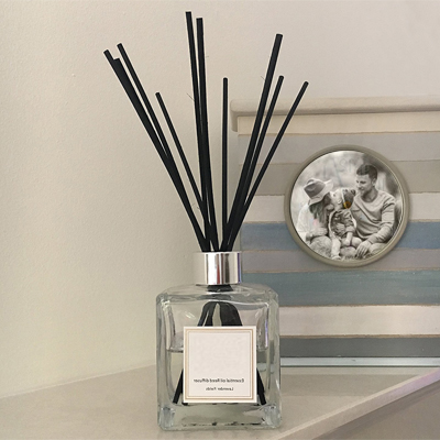 home-scent-v-label